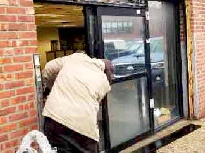 sliding door repair Brooklyn,door repair,entrance sliding door,aluminum sliding door,sliding door repair near me,